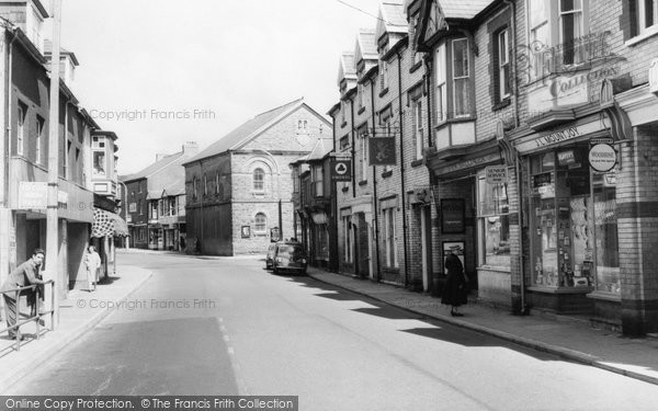 Photo of Aberkenfig, Bridgend Road c.1960