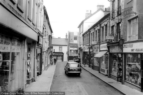 Photo of Abertillery, Somerset Street c.1960