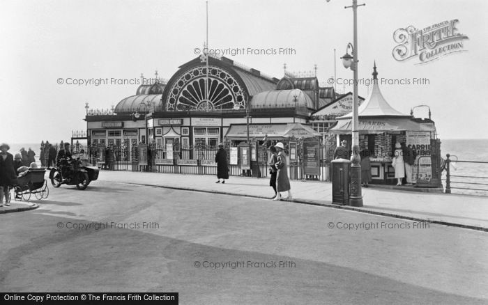 Photo of Aberystwyth, The Pier Entrance 1925