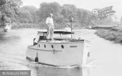 Abingdon, A Boat On The River Thames c.1950