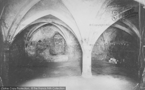 Photo of Abingdon, Abbey Crypt 1924