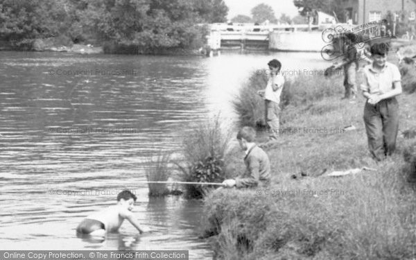 Photo of Abingdon, Boys Playing c.1960