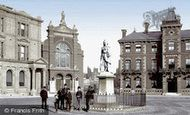 Abingdon, Market Place and Queen Victoria Statue 1890