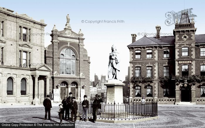 Photo of Abingdon, Market Place and Queen Victoria Statue 1890