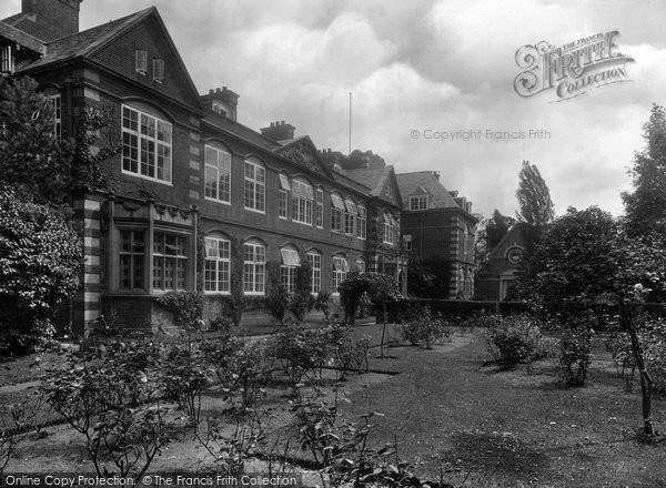 Photo of Abingdon, St Helen's School 1925