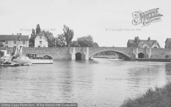 Photo of Abingdon, The Bridge And River c.1955