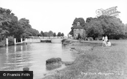 Abingdon, The Lock c.1960