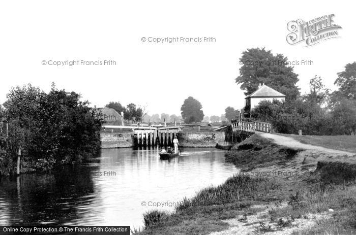 Abingdon, the Lock from downstream 1890