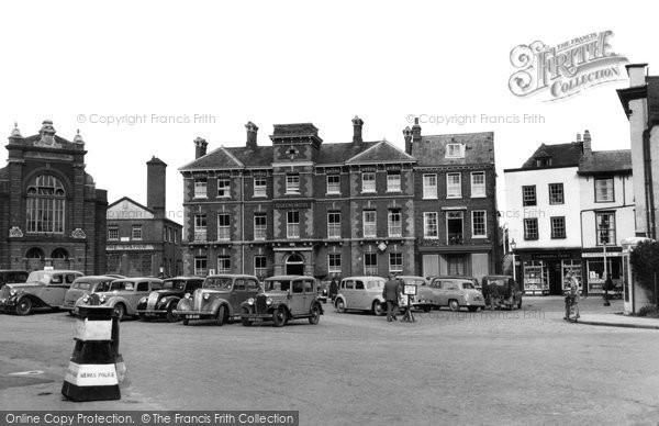 Photo of Abingdon, The Queen's Hotel c.1955