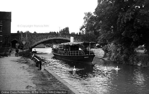 Photo of Abingdon, The River Thames And Bridge c.1950