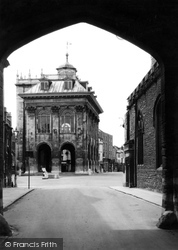 Abingdon, The Town Hall c.1945