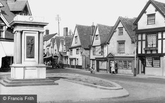Abingdon, the War Memorial c1950