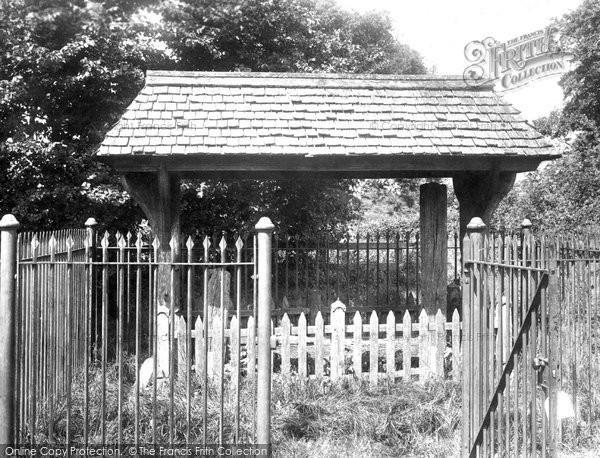 Abinger, Abinger Hatch Stocks 1902. (Neg. 48553)