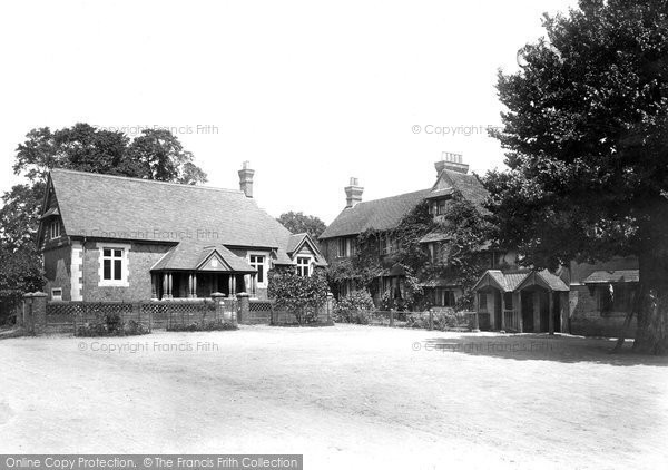 Photo of Abinger Common, Abinger Hatch Hotel 1902