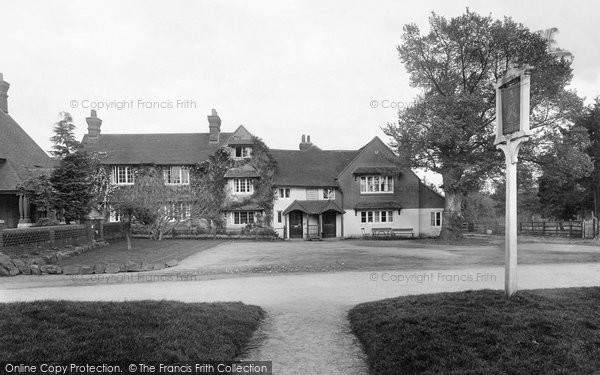 Photo of Abinger Common, Abinger Hatch Hotel 1921