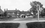 Abinger Common, Abinger Hatch Hotel 1921