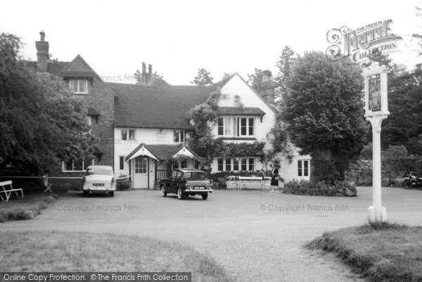 Photo of Abinger Common, Abinger Hatch Hotel c.1965