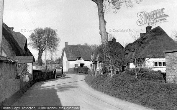 Photo of Ablington, The Village c.1950