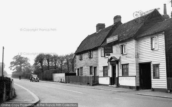 Photo of Abridge, Main Road And The Maltsters' Arms c.1955