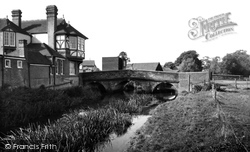 The Bridge c.1960, Abridge