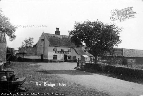 Photo of Acle, The Bridge Hotel c.1929