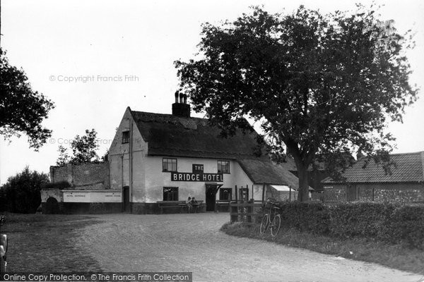 Photo of Acle, The Bridge Hotel c.1930
