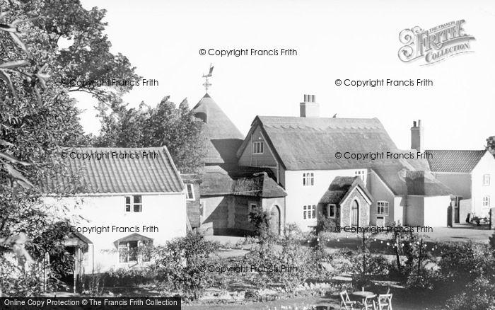 Photo of Acle, The Bridge Inn c.1965