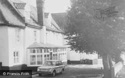 Acle, The Queens Head c.1965