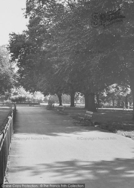 Photo of Acton, Acton Park c.1960