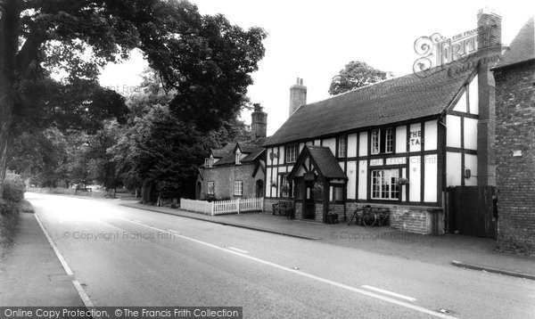 Photo of Acton, Chester Road And The Star Inn c.1960