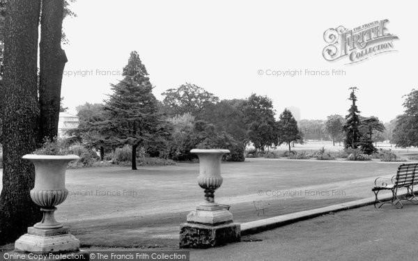 Acton, Gunnersbury Park c1960