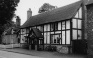 Acton, The Star Inn c.1960