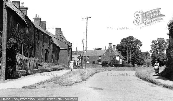 Adderbury, High Street c1955
