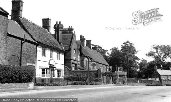 Photo of Adderbury, Oxford Road c1955
