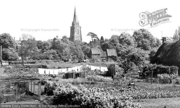 Photo of Adderbury, St Mary's Church c.1955
