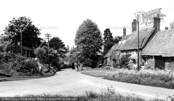 Photo of Adderbury, West Adderbury From Milton Road c.1955