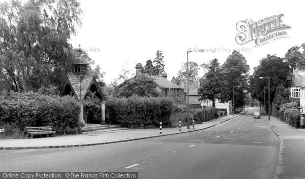 Addiscombe, The Fountain Shirley Hills c1965