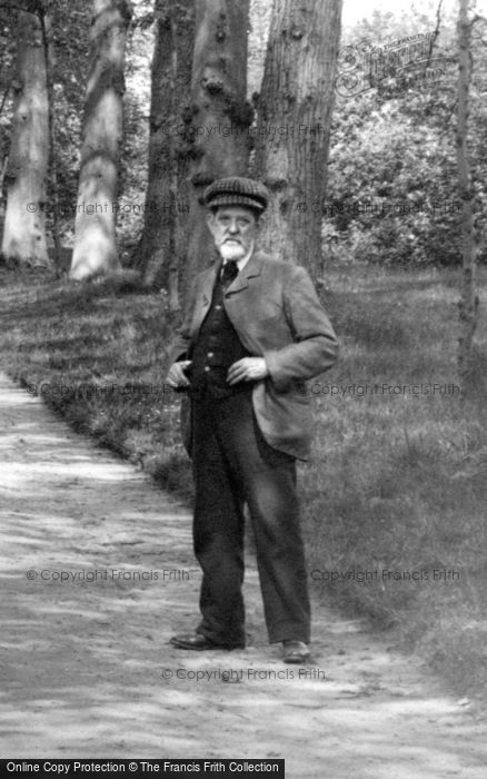 Photo of Addlestone, Old Man, St George's Avenue 1906