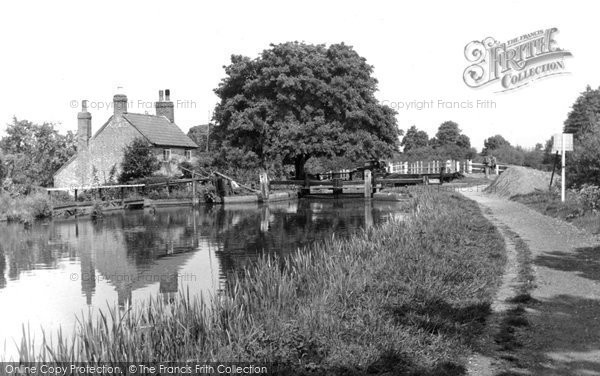 Addlestone, the Wey Navigation c1950