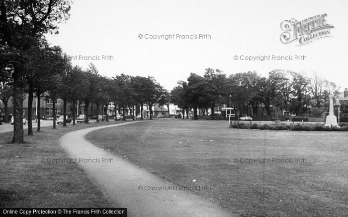 Photo of Ainsdale, Liverpool Avenue And The Green c.1965