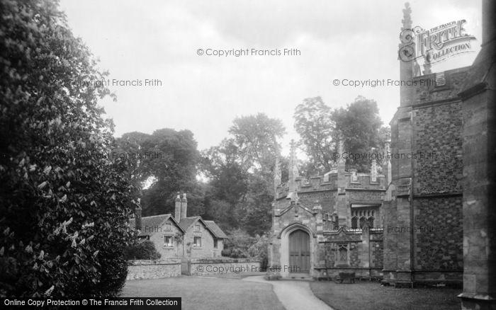 Photo of Albury, Catholic Apostolic Church, Chapter House And Lyne Cottage 1924
