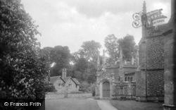 Albury, Catholic Apostolic Church, Chapter House And Lyne Cottage 1924
