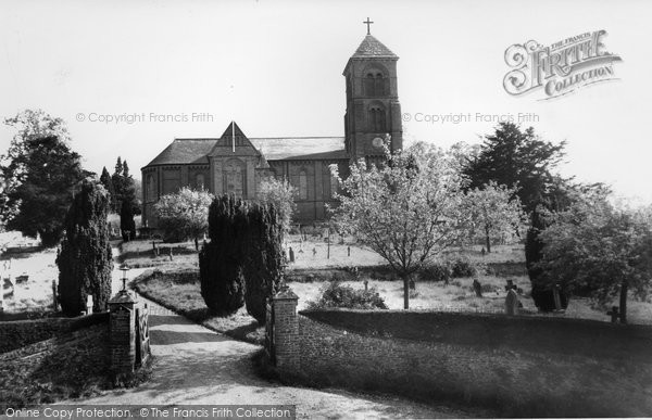 Photo of Albury, St Peter And St Paul's Church c.1960