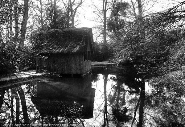 Photo of Albury, The Silent Pool 1906