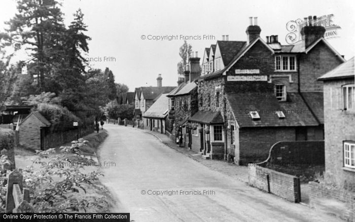 Photo of Albury, The Village And Drummond Arms c.1955