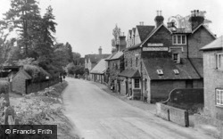 Albury, The Village And Drummond Arms c.1955