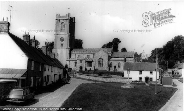 Photo of Aldbourne, St Michael's Parish Church c.1965