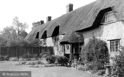 Aldbourne, Thatched Cottages c.1965