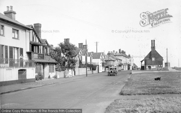 Photo of Aldeburgh, Crabbe Street And Moot Hall 1929