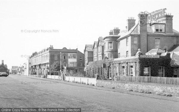Photo of Aldeburgh, Market Cross Place c.1960